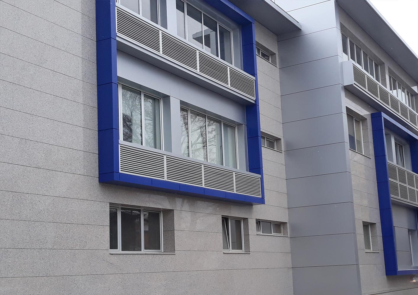 Ventilisane-fasade-od-mermera-i-granita-003